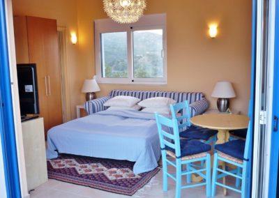 East-Studio-bed-up1
