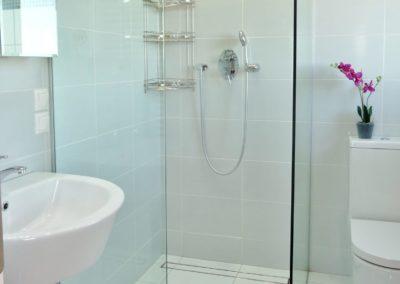 Shower-Room2