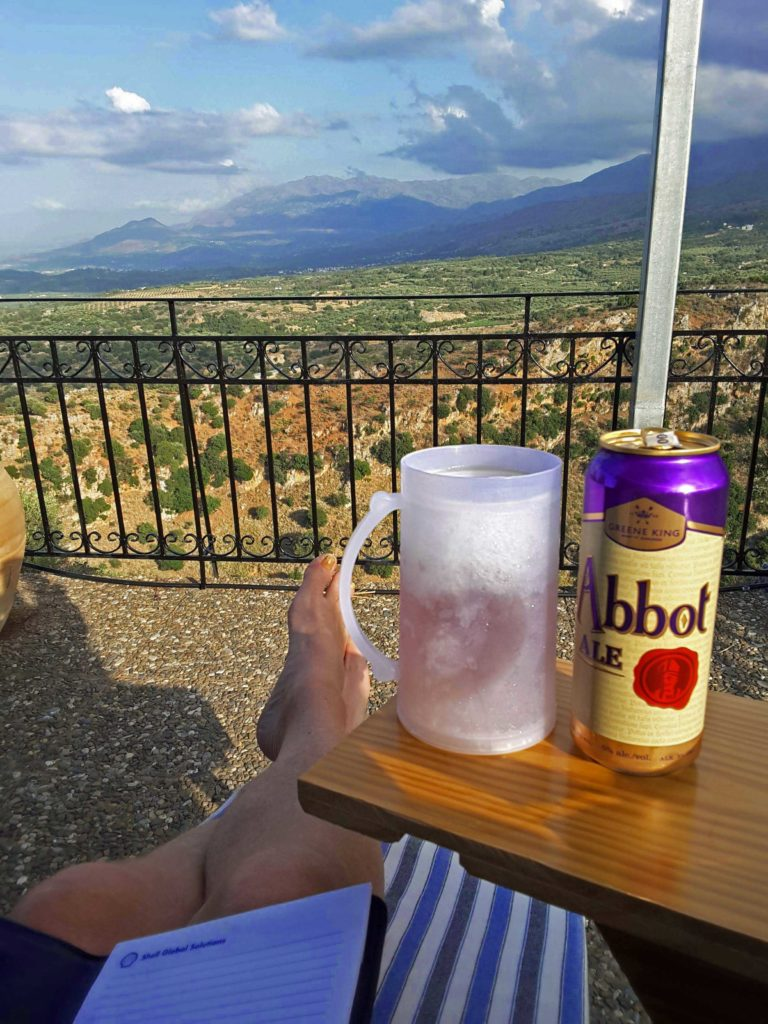 Abbot Ale at Panokosmos - drinking beers in Crete